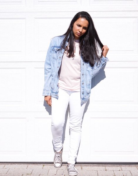 Style Like A Mother: Pale Pinks, White Jeans & A Denim Jacket